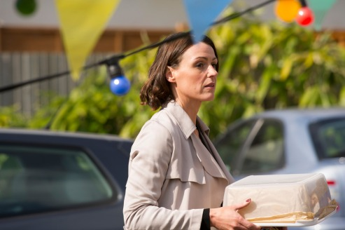 8790931-low_res-doctor-foster