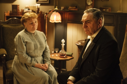 EMBARGOED_UNTIL_10TH_SEPTEMBER_DOWNTON_EP1__10[1]