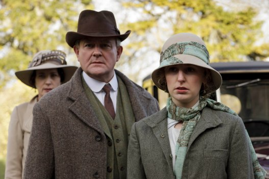 EMBARGOED_UNTIL_21ST_SEPTEMBER_DOWNTON_ABBEY_EP2__04[1]
