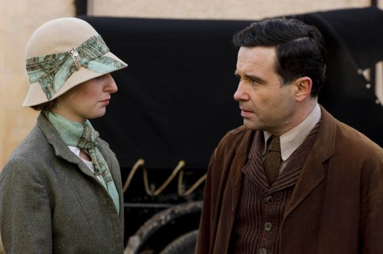 EMBARGOED_UNTIL_21ST_SEPTEMBER_DOWNTON_ABBEY_EP2__06[1]