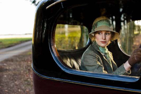 EMBARGOED_UNTIL_21ST_SEPTEMBER_DOWNTON_ABBEY_EP2__10[1]