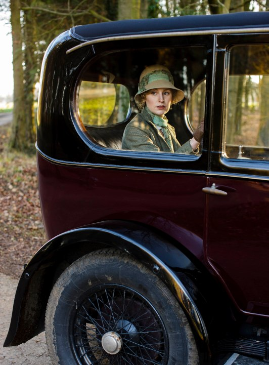 EMBARGOED_UNTIL_21ST_SEPTEMBER_DOWNTON_ABBEY_EP2__11[1]