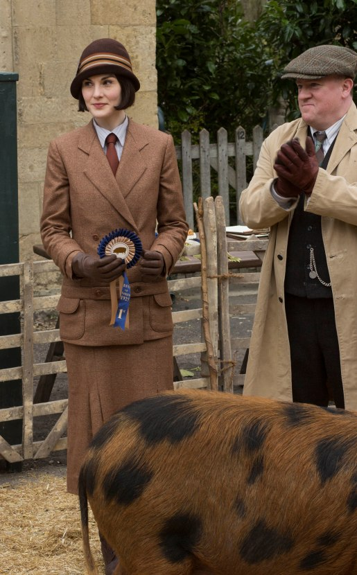 EMBARGOED_UNTIL_21ST_SEPTEMBER_DOWNTON_ABBEY_EP2__26[1]