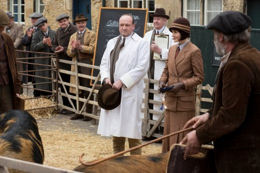 EMBARGOED_UNTIL_21ST_SEPTEMBER_DOWNTON_ABBEY_EP2__29[1]
