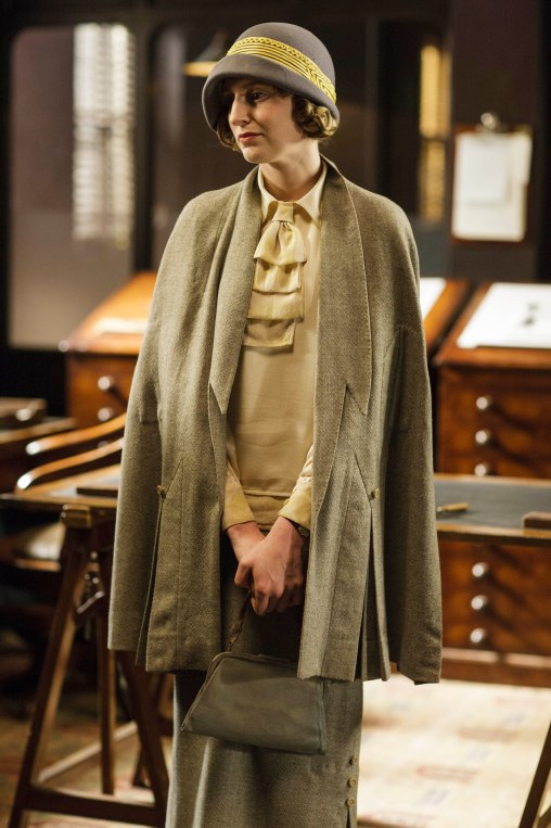 EMBARGOED_UNTIL_21ST_SEPTEMBER_DOWNTON_ABBEY_EP2__49[1]