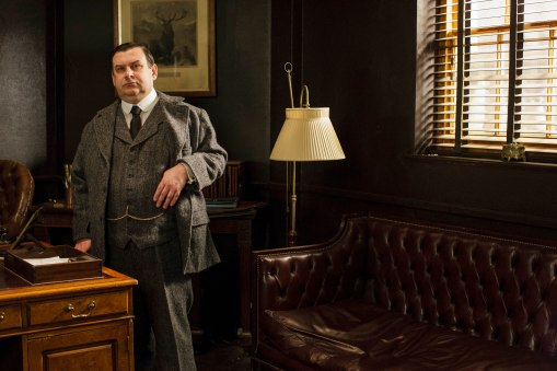 EMBARGOED_UNTIL_21ST_SEPTEMBER_DOWNTON_ABBEY_EP2__54[1]