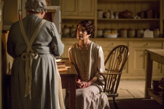 EMBARGOED_UNTIL_28TH_SEPTEMBER_DOWNTON_EP3_2015__02[1]