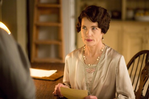 EMBARGOED_UNTIL_28TH_SEPTEMBER_DOWNTON_EP3_2015__03[1]