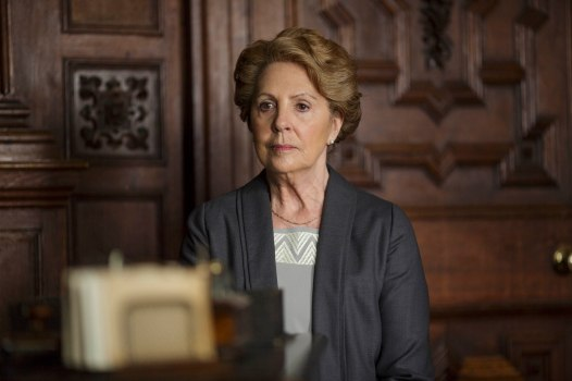 EMBARGOED_UNTIL_28TH_SEPTEMBER_DOWNTON_EP3_2015__04[1]