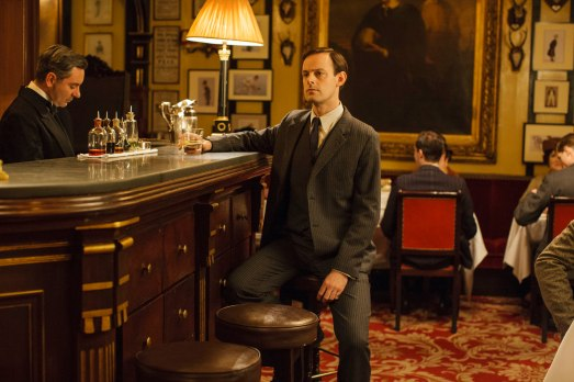 EMBARGOED_UNTIL_28TH_SEPTEMBER_DOWNTON_EP3_2015__13[1]