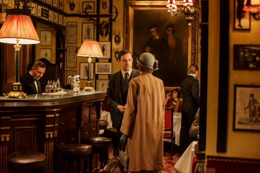 EMBARGOED_UNTIL_28TH_SEPTEMBER_DOWNTON_EP3_2015__15[1]