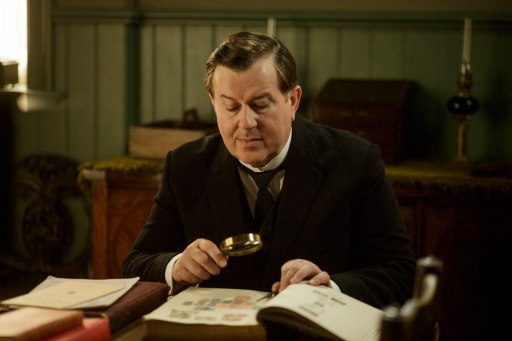 EMBARGOED_UNTIL_28TH_SEPTEMBER_DOWNTON_EP3_2015__16[1]