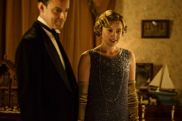 EMBARGOED_UNTIL_19TH_OCTOBER_DOWNTONEP6__04[1]