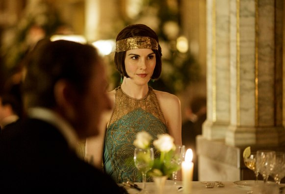 EMBARGOED_UNTIL_19TH_OCTOBER_DOWNTONEP6__18[1]
