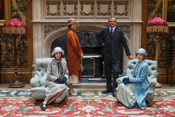 EMBARGOED_UNTIL_27TH_OCT_DOWNTON_EP7_04[1]