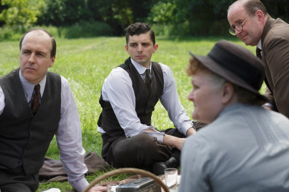 EMBARGOED_UNTIL_27TH_OCT_DOWNTON_EP7_11[1]