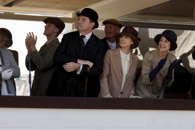 EMBARGOED_UNTIL_27TH_OCT_DOWNTON_EP7_41[1]