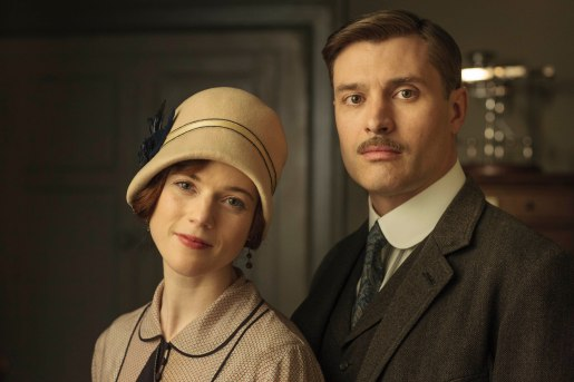 EMBARGOED_UNTIL_5_OCTOBER_DOWNTON_ABBEY_EPISODE4__35[1]
