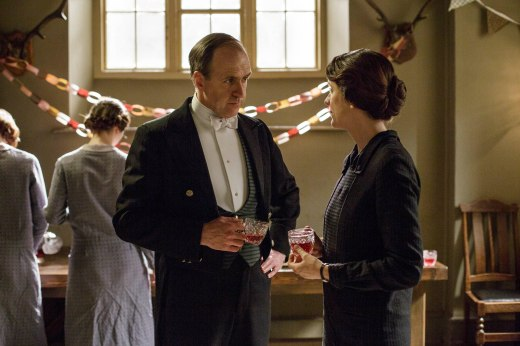 EMBARGOED_UNTIL_5_OCTOBER_DOWNTON_ABBEY_EPISODE4__56[1]