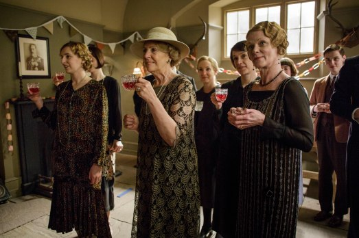 EMBARGOED_UNTIL_5_OCTOBER_DOWNTON_ABBEY_EPISODE4__57[1]