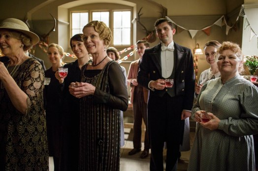EMBARGOED_UNTIL_5_OCTOBER_DOWNTON_ABBEY_EPISODE4__58[1]