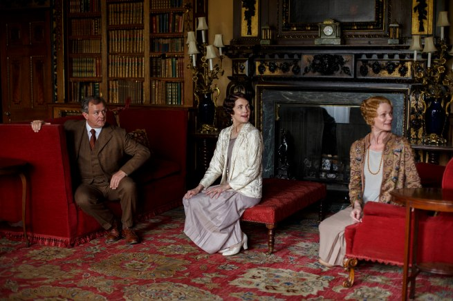 EMBARGOED_DOWNTONEP8__06[1]