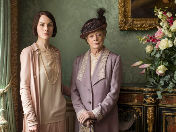 EMBARGOED_DOWNTONEP8__20[1]