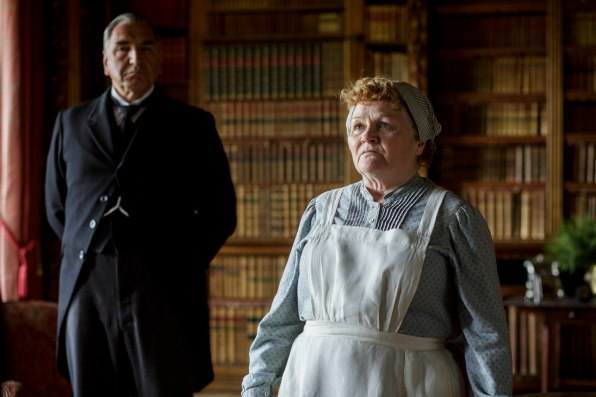 EMBARGOED_DOWNTONEP8__21[1]