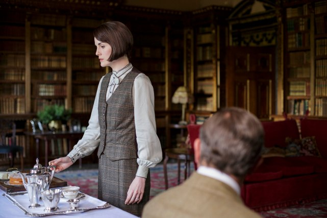 EMBARGOED_DOWNTONEP8__22[1]