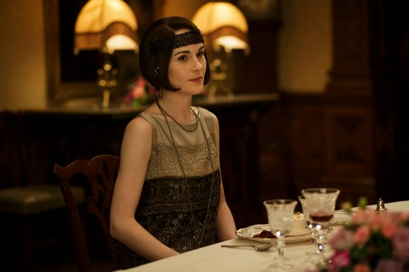 EMBARGOED_UNTIL_8_DECEMBER_DOWNTON_ABBEY_02[1]