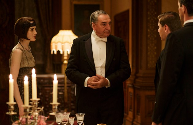 EMBARGOED_UNTIL_8_DECEMBER_DOWNTON_ABBEY_05[1]