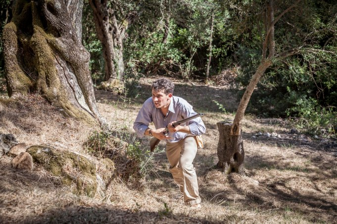 THE_DURRELLS_EP2_19[1]