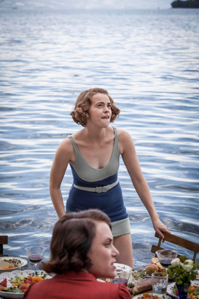 THE_DURRELLS_EP2_25[1]
