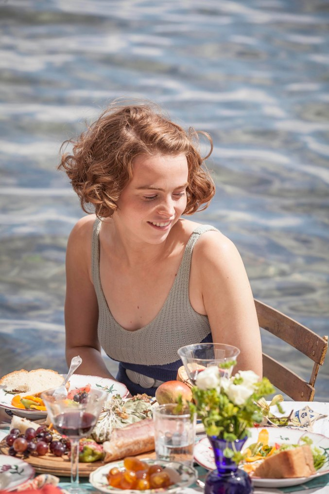 THE_DURRELLS_EP2_29[1]